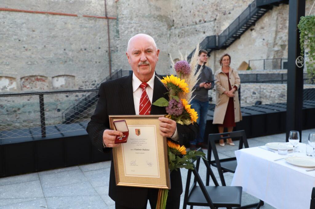 Vladimir Padama sai Haapsalu linna vapimärgi Foto: Arvo Tarmula